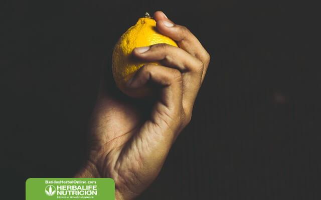 Jugo de berenjena con limon para bajar de peso
