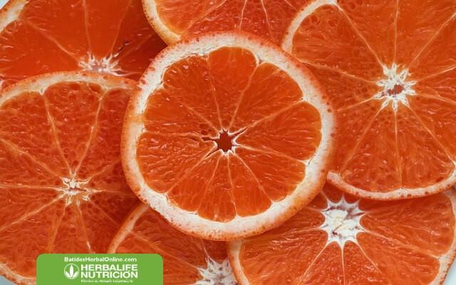Depurar el cuerpo con pomelo para controlar el peso
