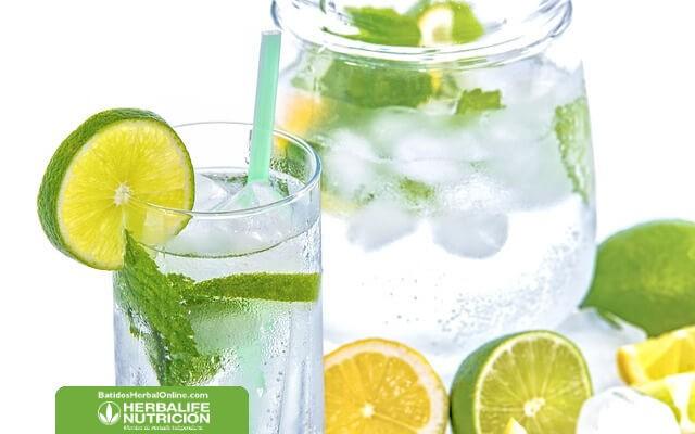 Receta de agua de berenjena y limón para adelgazar